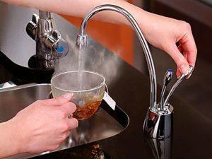 Газовая колонка сильно греет воду